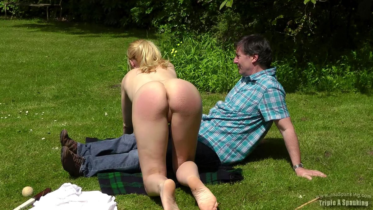 Naked spanking pictures